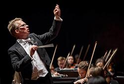 Grand Final Concert with Maestro Richard Davis